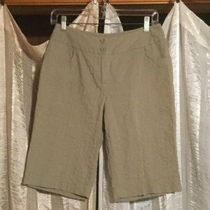 Motto Textured Bermuda Shorts